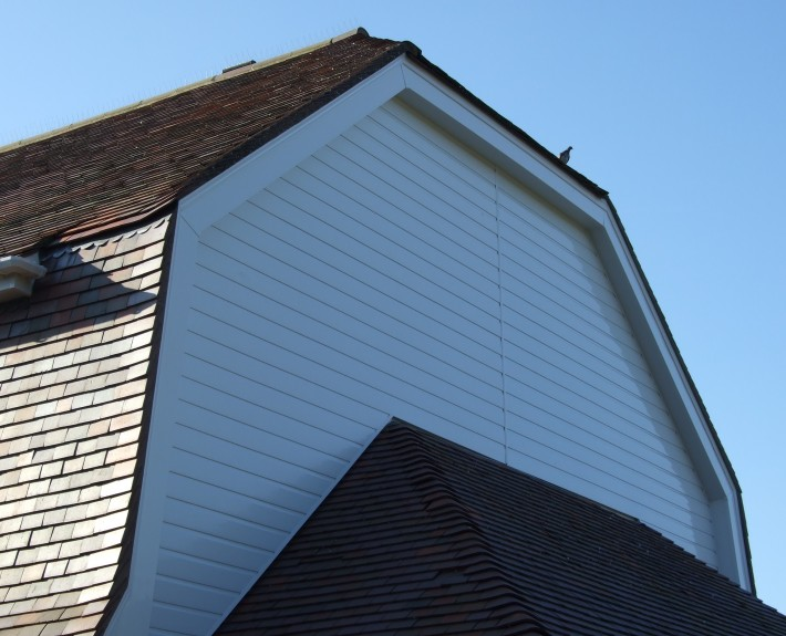 Dutch Barn With Modern PVC Cladding