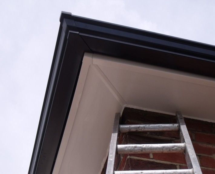 Seamless Aluminium Guttering Gable End With UPVC Soffit